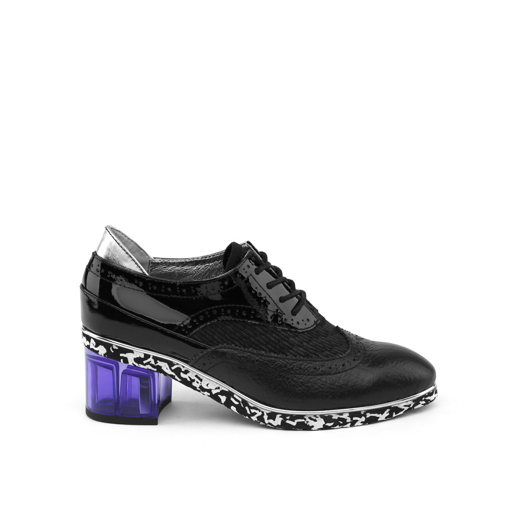 brogue-black-out
