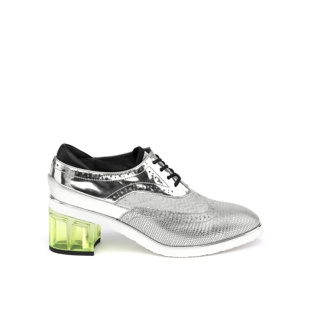 brogue-silver-out
