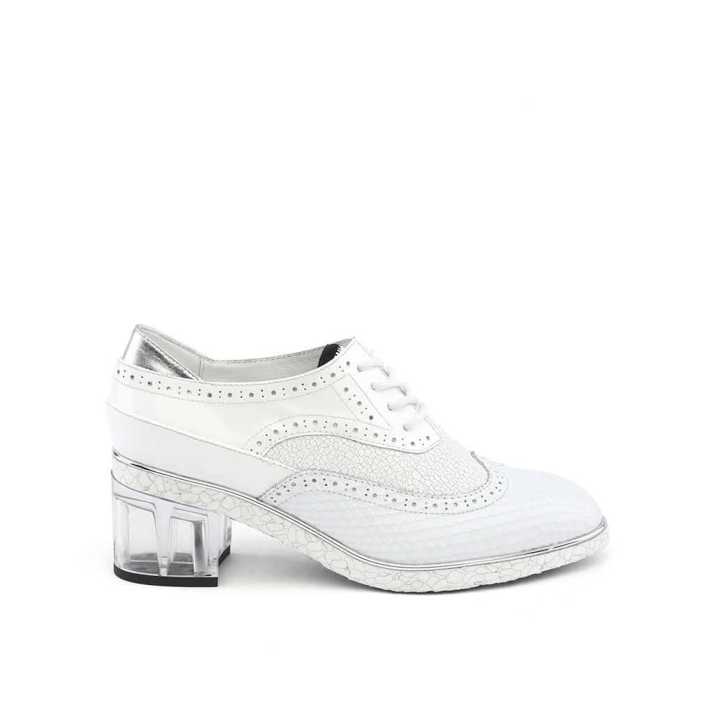 brogue-white-out